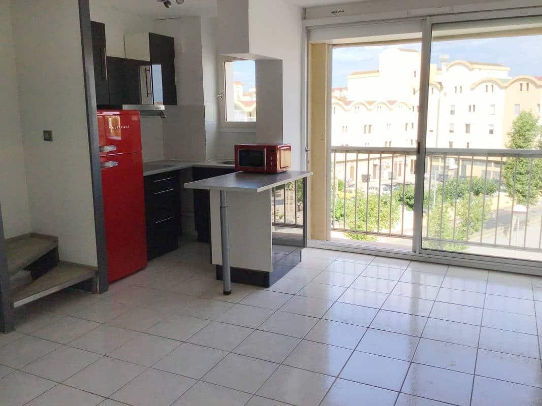 Pigassou Immobilier Galerie - T3 AVEC PARKING ET MEZZANINE VUE PORT