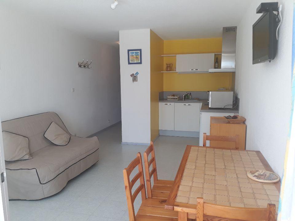 Pigassou Immobilier - GRUISSAN PORT PROCHE GRAZEL STUDIO VUE PORT